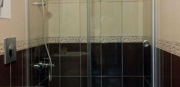 Tabureli Ahşap Duş Izgarası